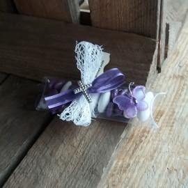 Boite à dragées papillon communion lilas